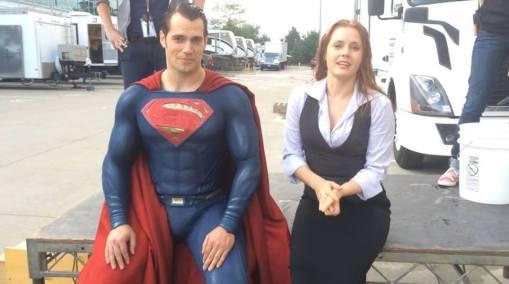 Henry Cavill & Amy Adams on set 'Batman V Superman'