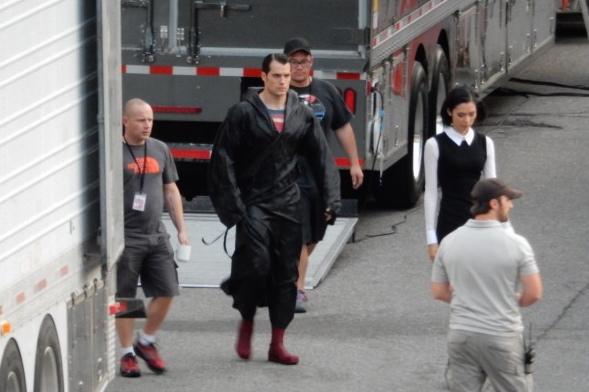 Henry Cavill on set 'Batman V Superman'