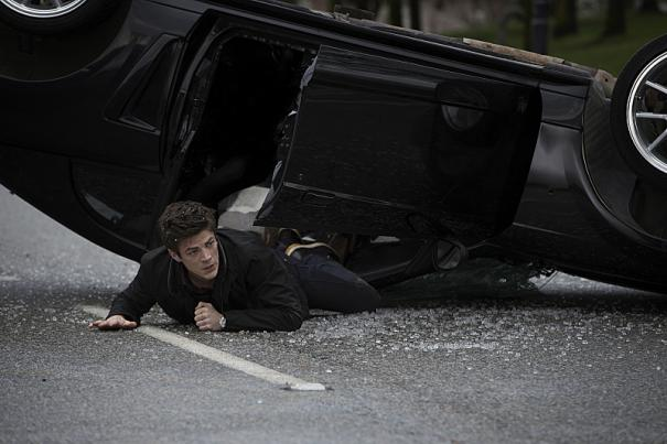 'The Flash' Image 2: It seems like Barry Allen is in some trouble here.  Can't wait to see how he saves the day in first pilot episode.