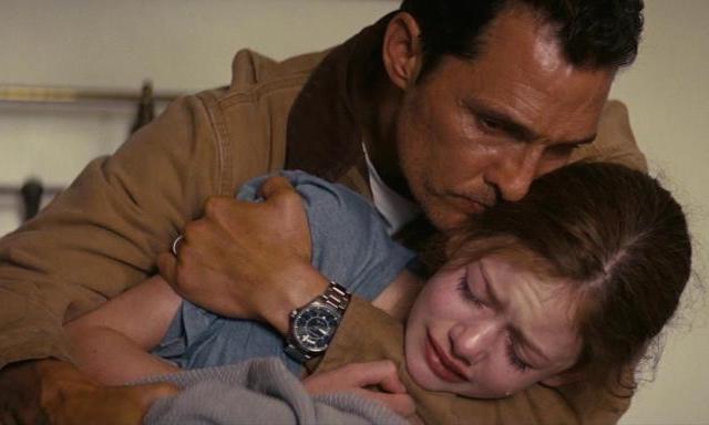 Matthew McConaughey & Mackenzie Foy in 'Interstellar'