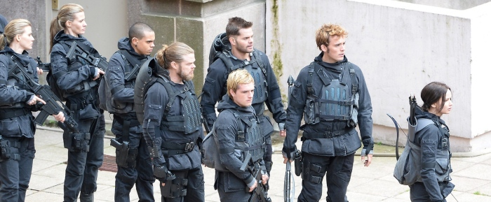 On set 'The Hunger Games: Mockingjay - Part 2'