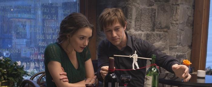 Charlotte Le Bon & Joseph Gordon Levitt in 'The Walk'
