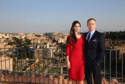 Monica Belluci & Daniel Craig on set 'Spectre'