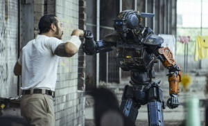 Jose Pablo Cantillo in 'Chappie'