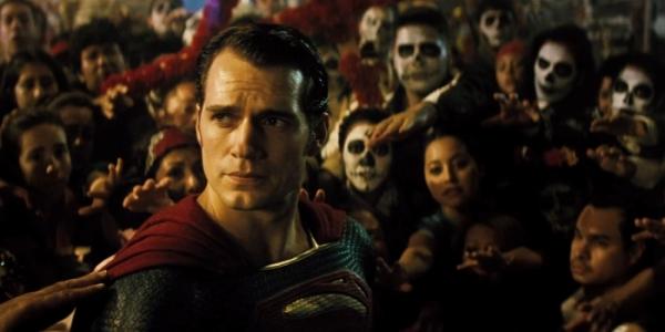 Batman-V-Superman-Trailer-Cavill-Crowd