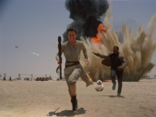 Daisy Ridley & John Boyega in 'Star Wars: The Force Awakens'