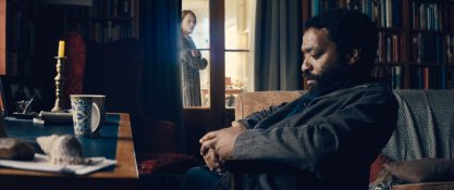 Margot Robbie & Chiwetel Ejiofor in 'Z for Zachariah'
