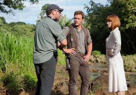 Colin Trevorrow, Chris Pratt & Bryce Dallas Howard on set 'Jurassic World'