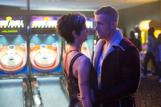 Morena Baccarin & Ryan Reynolds in 'Deadpool'