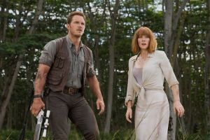 Chris Pratt & Bryce Dallas Howard in 'Jurassic World'