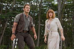 Chris Pratt & Bryce Dallas Howard in 'Jurassic World'