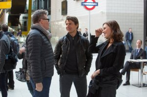Christopher McQuarrie, Tom Cruise & Rebecca Ferguson on set 'Mission: Impossible - Rogue Nation'