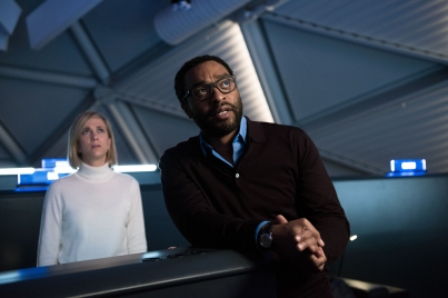 Kristen Wiig & Chiwetel Ejiofor in 'The Martian'
