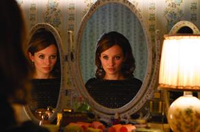 Emily Browning in 'Legend'
