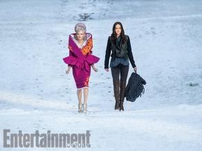 Elizabeth Banks & Jennifer Lawrence in 'The Hunger Games: Mockingjay - Part 2'