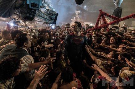 Henry Cavill as Superman on set 'Batman V Superman: Dawn of Justice'