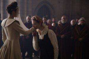 Marion Cotillard & Elizabeth Debicki in 'Macbeth'