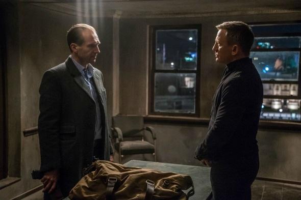 Ralph Fiennes & Daniel Craig in 'Spectre'