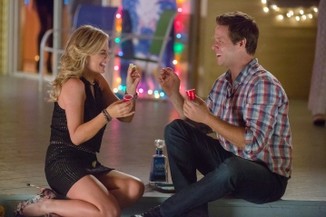 Amy Poehler & Ike Barinholtz in 'Sisters'