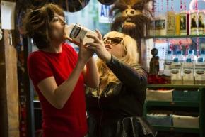 Dakota Johnson & Rebel Wilson in 'How to Be Single'