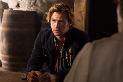 in-the-heart-of-the-sea-movie-chris-hemsworth-600x400