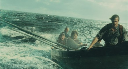 in-the-heart-of-the-sea-movie-image-3-600x324