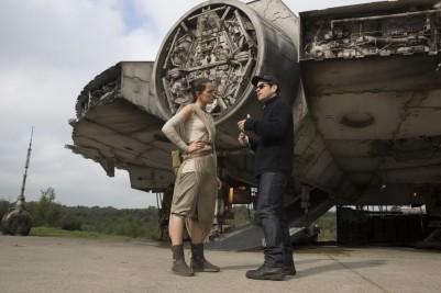 Daisy Ridley & J.J. Abrams on set 'Star Wars: The Force Awakens'