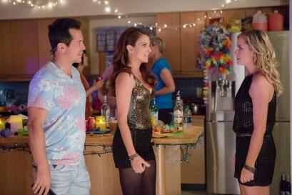John Leguizamo, Tina Fey & Amy Poehler in 'Sisters'