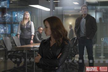 Emily Van Camp, Anthony Mackie, Scarlett Johansson & Chris Evans in CAPTAIN AMERICA: CIVIL WAR