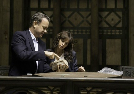 Tom Hanks & Felicity Jones in INFERNO