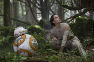 BB-8 & Daisy Ridley as Rey in 'Star Wars: The Force Awakens'