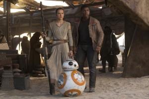 Daisy Ridley & John Boyega in STAR WARS: THE FORCE AWAKENS