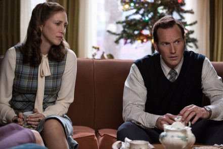 Vera Farmiga & Patrick Wilson in THE CONJURING 2
