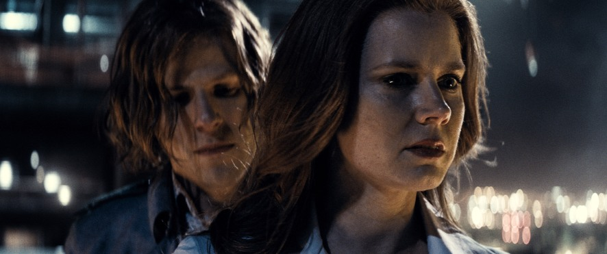 Jesse Eisenberg & Amy Adams in Batman v Superman: Dawn of Justice