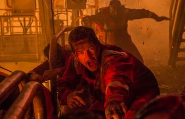 Mark Wahlberg in Deepwater Horizon