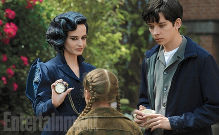 Eva Green & Asa Butterfield in 'Miss Peregrine's Home for Peculiar Children'
