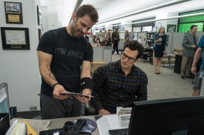 Zack Snyder & Henry Cavill on set Batman v Superman: Dawn of Justice