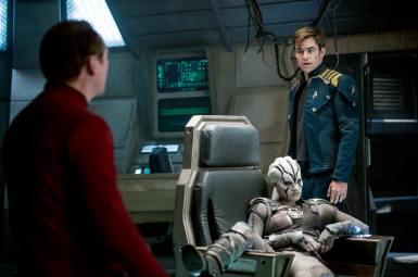 Simon Pegg, Sofia Boutella & Chris Pine in Star Trek Beyond