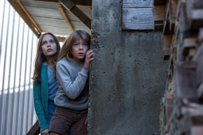 Oakes Fegley & Oona Laurence in Pete's Dragon