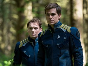 Anton Yelchin & Chris Pine in Star Trek Beyond