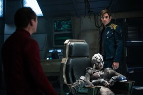 Somin Pegg, Sofia Boutella & Chris Pine in Star Trek Beyond