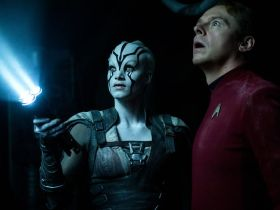 Sofia Boutella & Simon Pegg in Star Trek Beyond