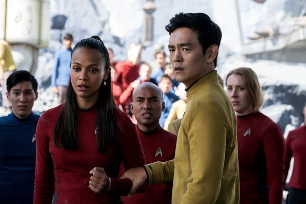 Zoe Saldana & Jon Cho in Star Trek Beyond