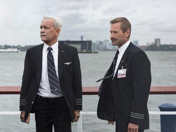 Tom-Hanks-Aaron-Eckhart-Sully