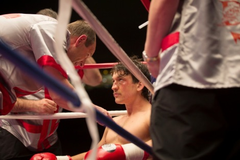 Aaron Eckhart & Miles Teller in Bleed for This