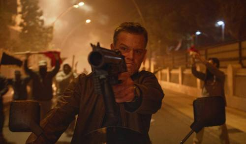 Jason Bourne (Matt Damon) in a riot