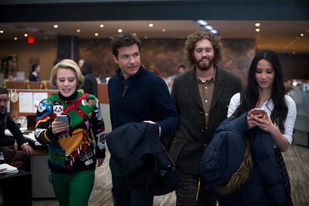 Kate McKinnon, Jason Bateman, T.J. Miller & Olivia Munn in Office Christmas Party