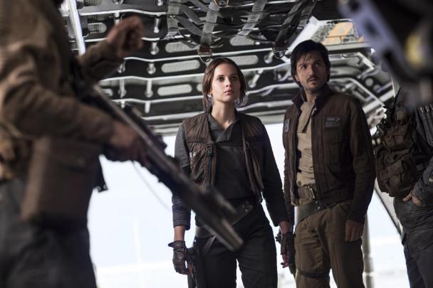 Felicity Jones & Diego Luna in Rogue One: A Star Wars Story