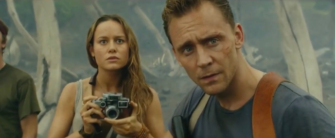 Brie Larson & Tom Hiddleston in Kong: Skull Island
