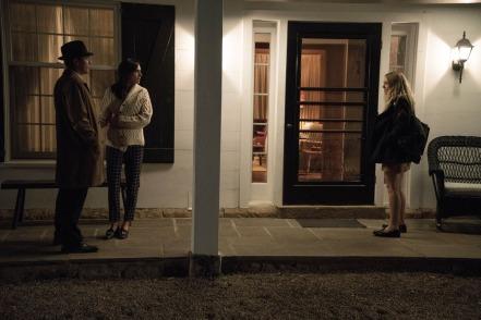 Ewan McGregor, Jennifer Connelly & Dokata Fanning in American Pastoral